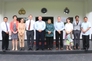 A warm welcome: Police Brigadier General Mrs. Soepartiwi (Executive Director JCLEC) and Detective Superintendent Mr. Brian Thomson (Executive Director Programs JCLEC), Police Senior Superintendent Mr. Eko Rudi Yuswanto and Police Assistant Superintendent Mr. Gede Suardana; police and curriculum experts Joost Teuben, Leonoor Akkermans and Ans Voordouw; CILC team