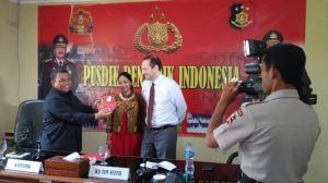 Welcome by the head of Pusdik Reskrim (Training Centre on Criminal Investigation), Senior Superintendent Alex Sampe