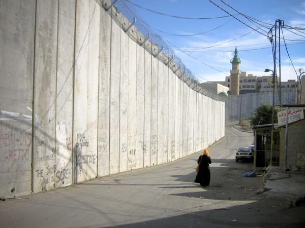 Israeli separation barrier (photo: Flickr/André)